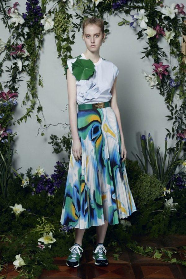 юбка плиссе с чем носить: длинная цветочный принт