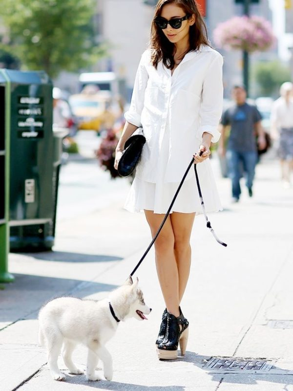 с чем носить юбку плиссе: мини белая