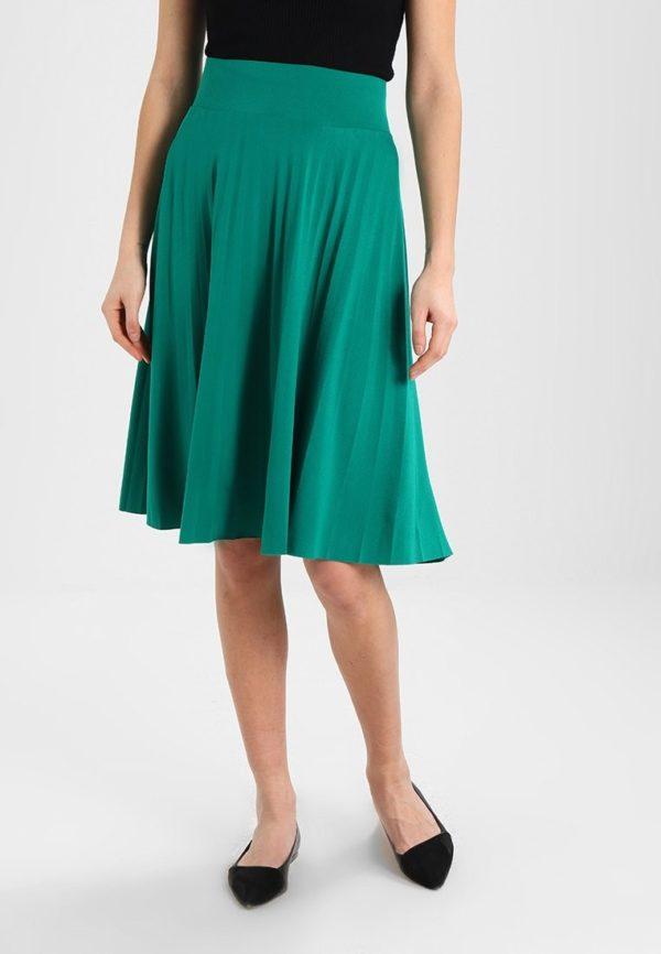 зеленая юбка плиссе миди