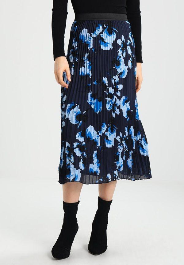 синяя юбка плиссе с цветами миди