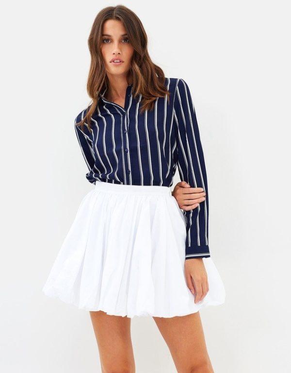 с чем носить юбку плиссе: белая мини