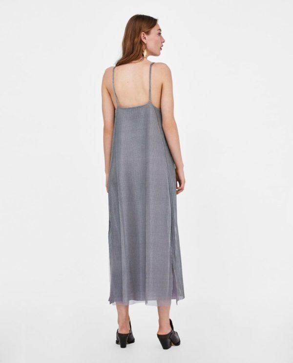 модели 2019 летних платьев сарафанов: серое с голой спиной