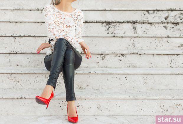 модные брюки 2018-2019: черные кожаные