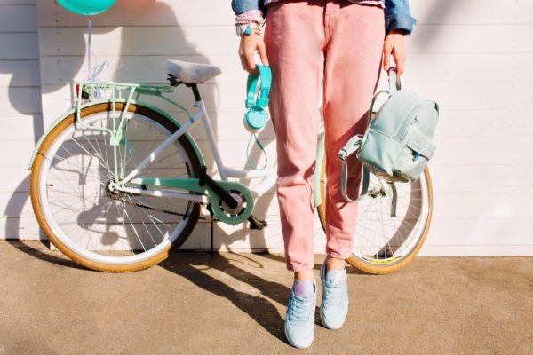 женские брюки 2019-2020: розовые