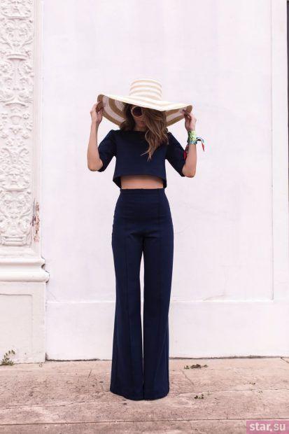 женские брюки: клеш темно-синие