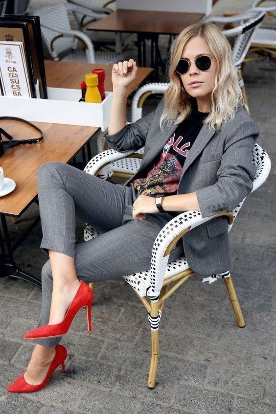 женский костюм мода 2019-2020: с укороченными брюками