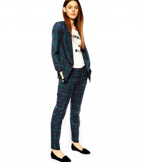 женский костюм мода 2020: с укороченными брюками