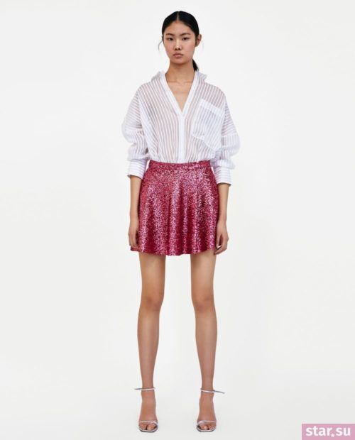 стильные образы лето 2019: с красной блестящей юбкой