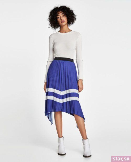 стильные образы лето 2019: с синей юбкой