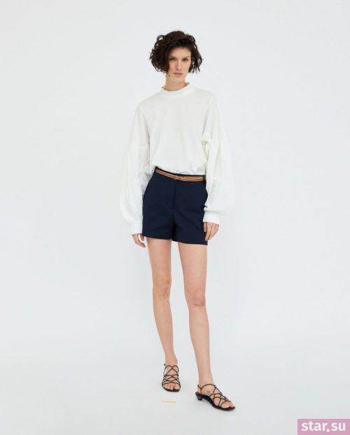 модные летние образы 2019: с темно-синими шортами