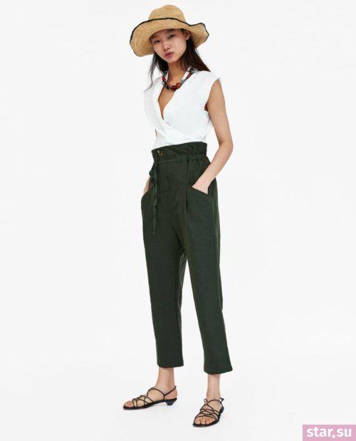 Стильные летние образы 2019: с зелеными брюками и белой майкой