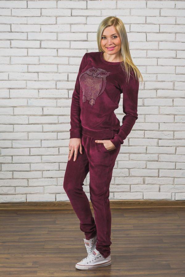 модные спортивные костюмы женские: велюровый бордовый