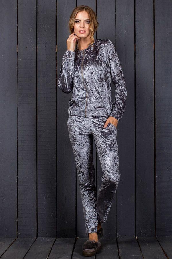модные спортивные костюмы женские: велюровый серый