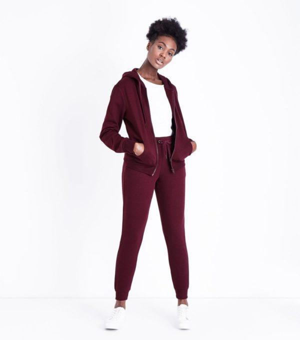 спортивные костюмы: модные женские бордовый