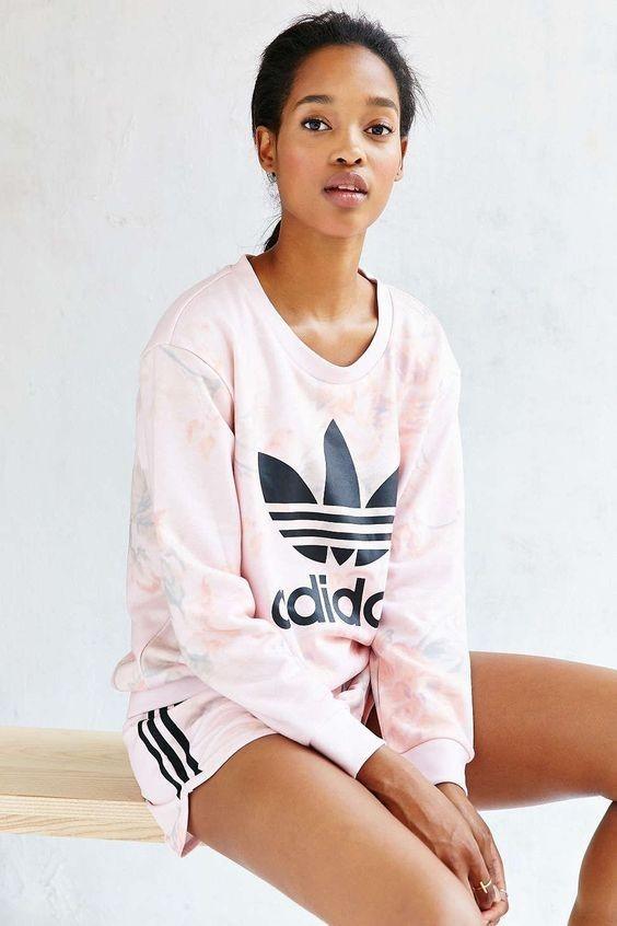 спортивные костюмы женские: розовый адидас с шортами