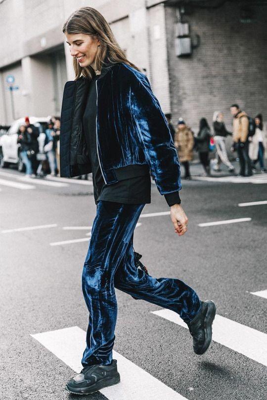 спортивный костюм женский: велюровый синий