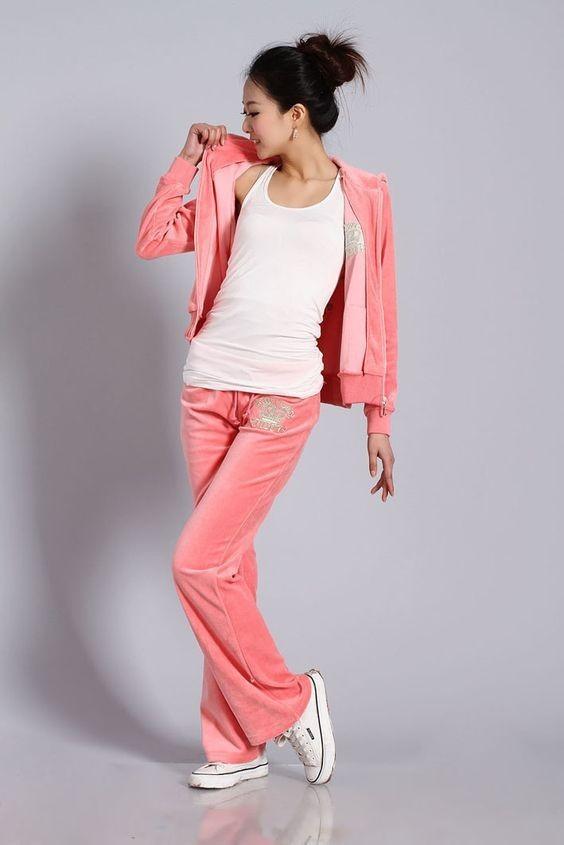 модные спортивные костюмы женские: розовый велюровый