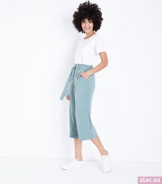брюки женские 2018-2019: голубые укороченные