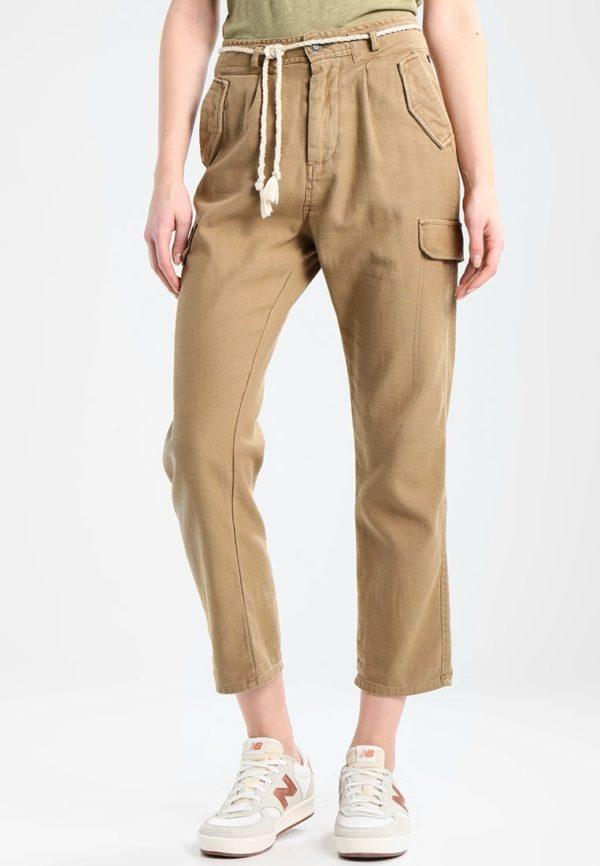 модные женские брюки: коричневые укороченные