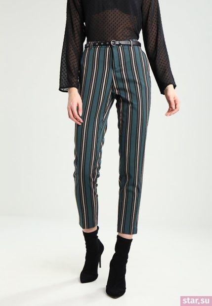 модные брюки для женщин: черные в полоску укороченные