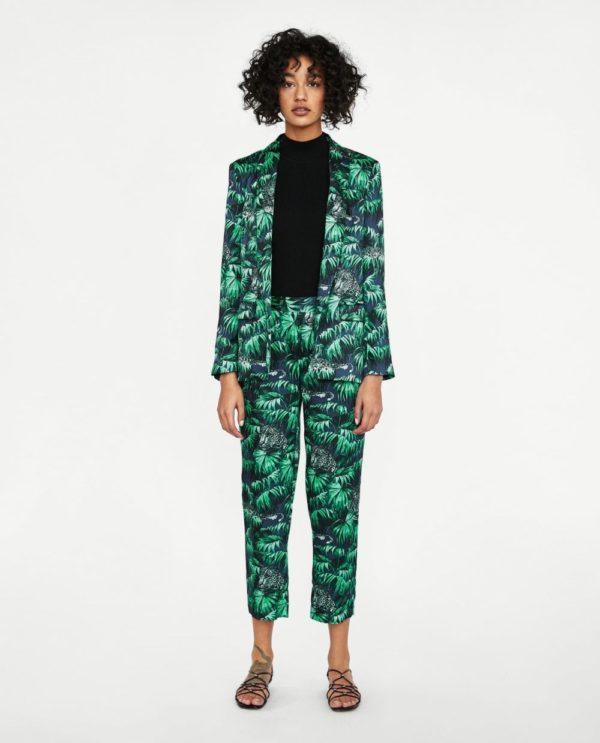 модные костюмы женские фото: черно-зеленый в пижамном стиле