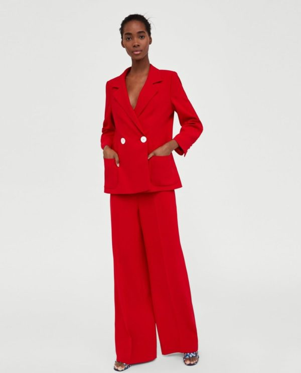 костюм женский фото новинки: красный