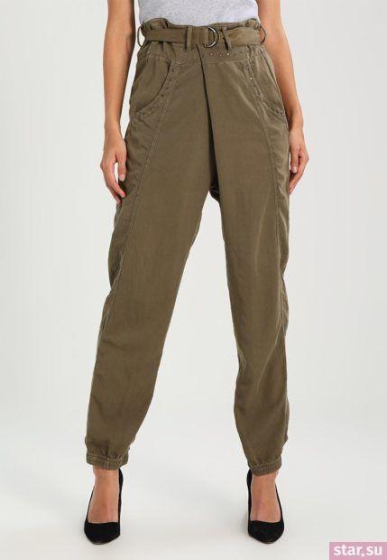 Укороченные брюки с завышенной талией цвета хакки