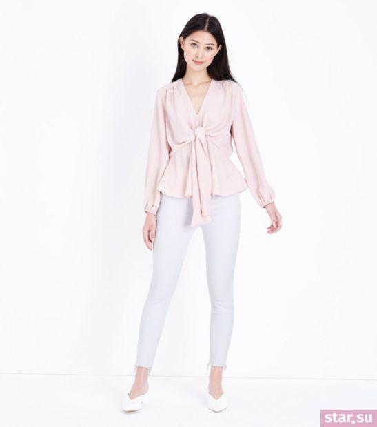 укороченные брюки с чем носить: белые с розовой блузой