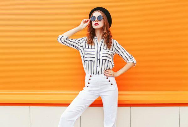 стильные луки: с высокими белыми брюками