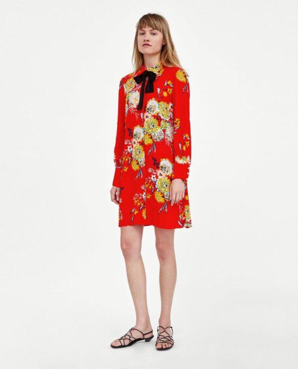 стильные луки 2020-2021: с красным платьем