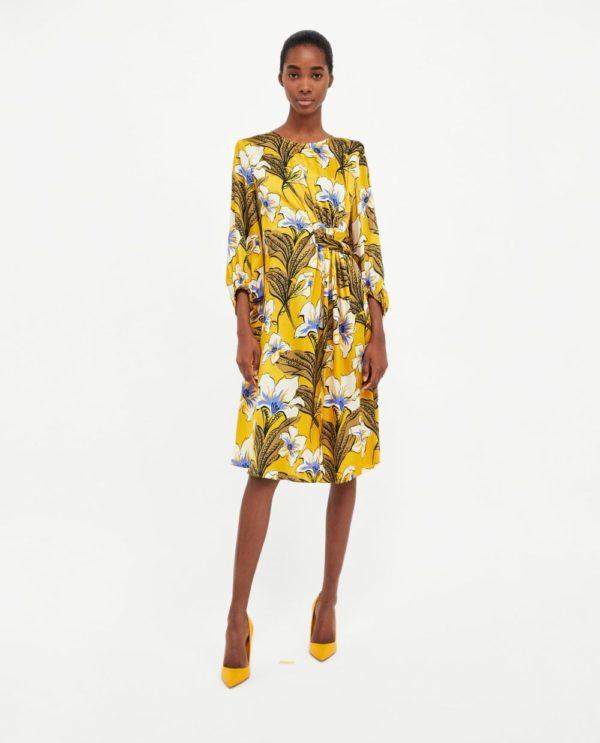 стильные луки 2019-2020: с желтым платьем в цветок