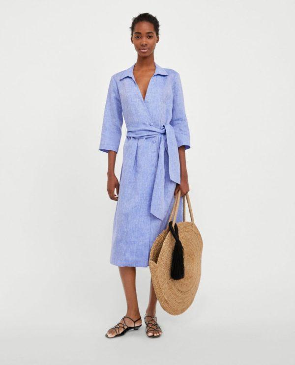 стильные луки 2019-2020: с голубым платьем