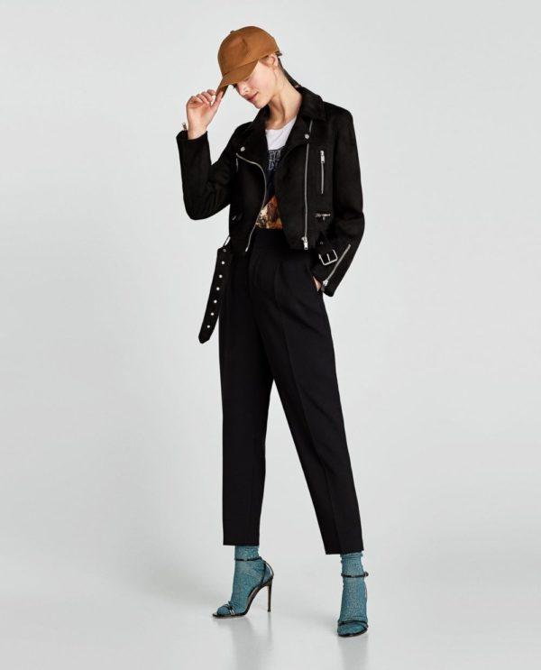 Модный лук 2019-2020 с брюками и курткой в черном цвете