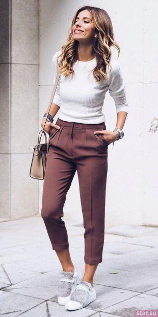 укороченные брюки с чем носить: прямые бежево-красный