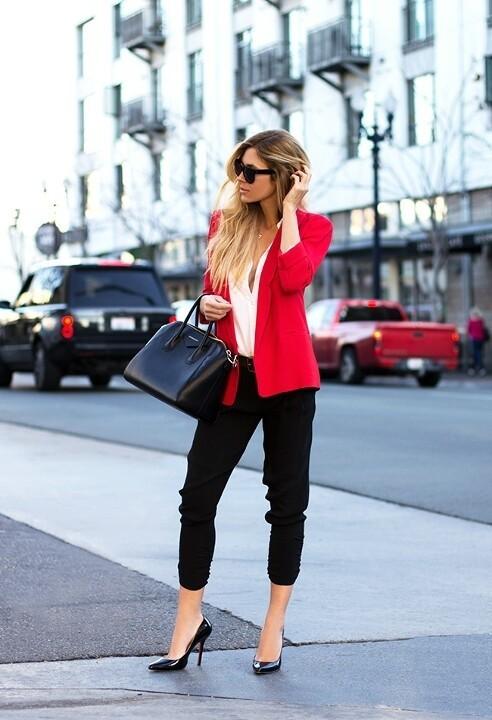 укороченные женские брюки с чем носить: капри черные