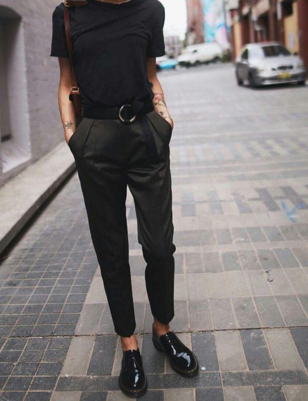 с чем носить укороченные брюки: бананы черные