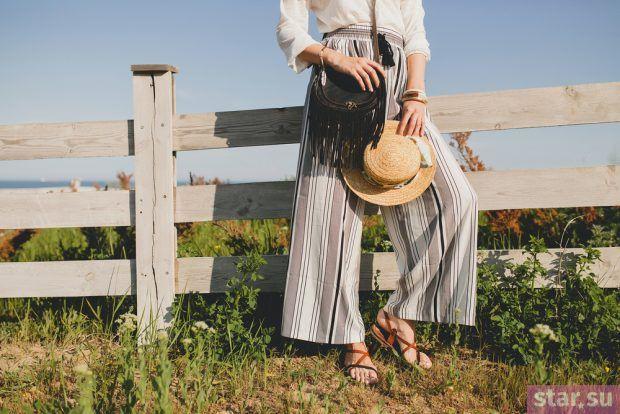 с чем носить укороченные брюки: широкие лук