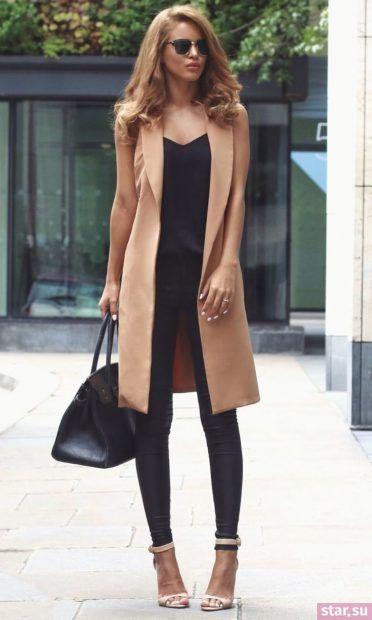 Удлиненный коричневый жилет без рукавов