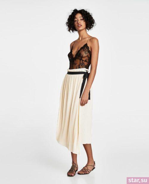 модные образы лето 2019: белая юбка с черным поясом