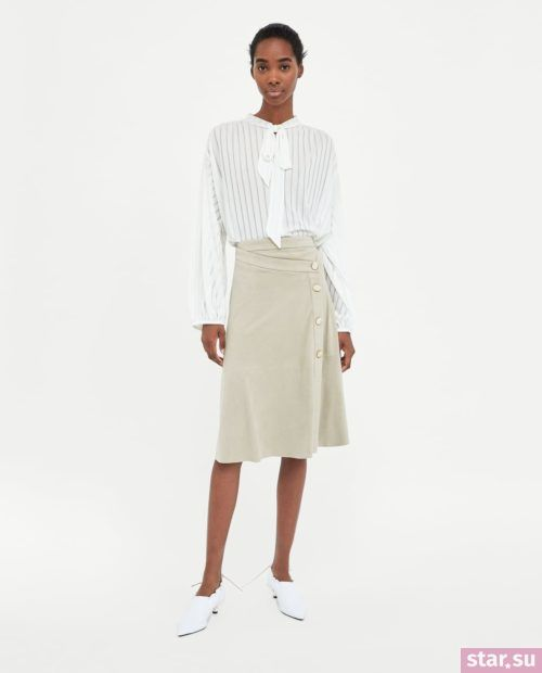 модные летние образы 2019: серая юбка миди