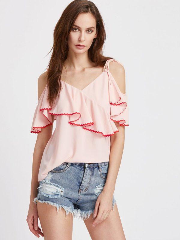 шифоновая блузка: розовая с воланами