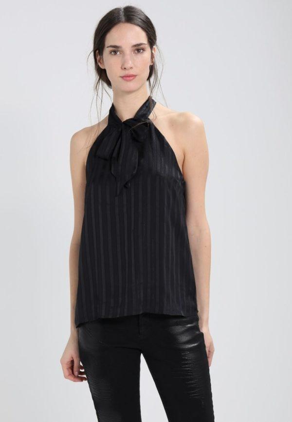 шифоновая блузка: черная с воланами