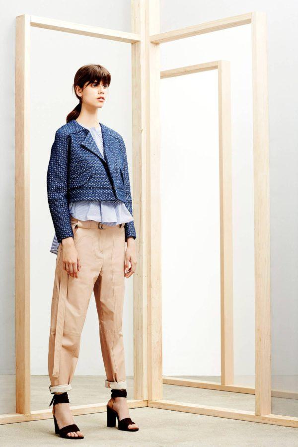 Модные женские пиджаки 2019-2020: укороченный синий