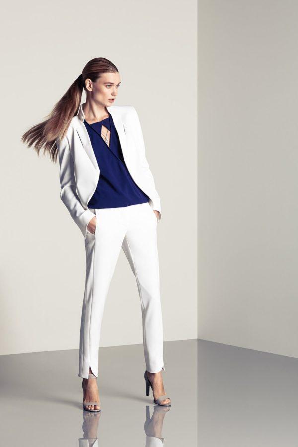 Модные женские пиджаки: укороченный белый