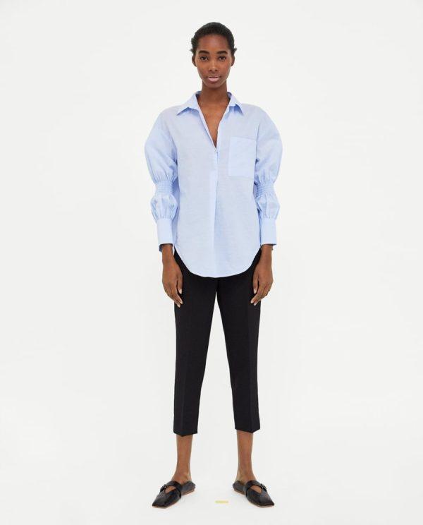 Модные женские рубашки: голубая