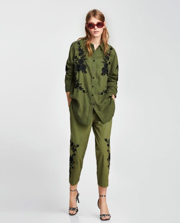 модные рубашки для женщин: зеленая с узором