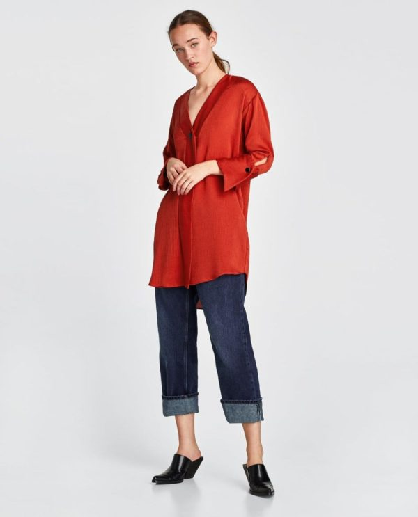 модная женская рубашка: Удлиненная красная