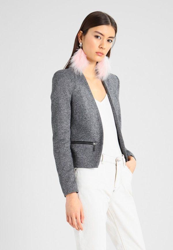 Модные женские пиджаки 2019-2020: укороченный серый