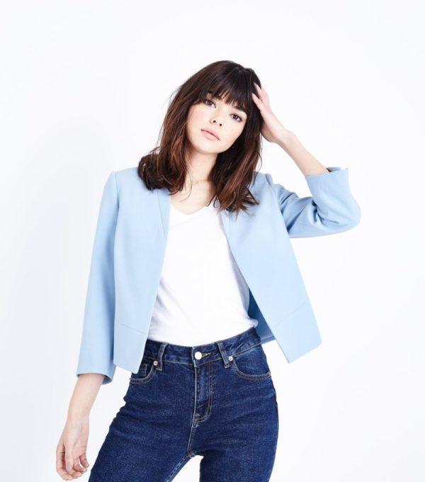 Модные женские пиджаки 2018-2019: укороченный голубой