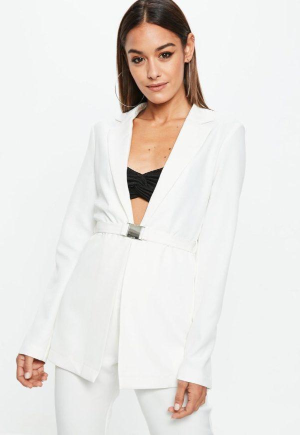 женские пиджаки: под пояс белый